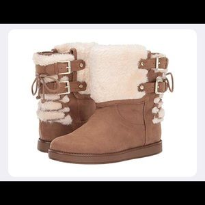 0977 G BY GUESS ASHTON BOOTS